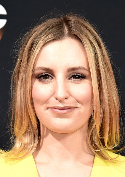 laura-carmichael-medium-straight-bob-hairstyle