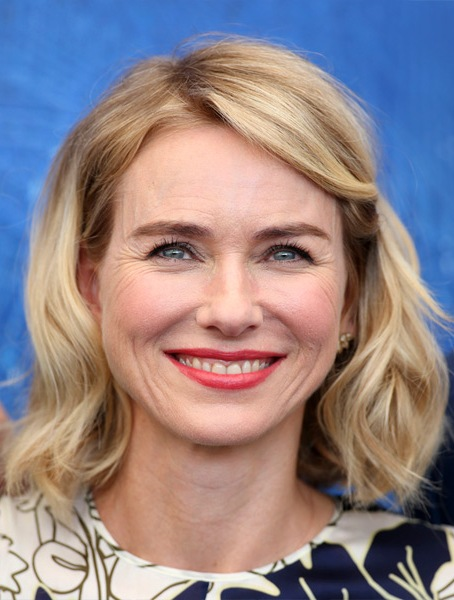 naomi-watts-medium-wavy-bob-hairstyle
