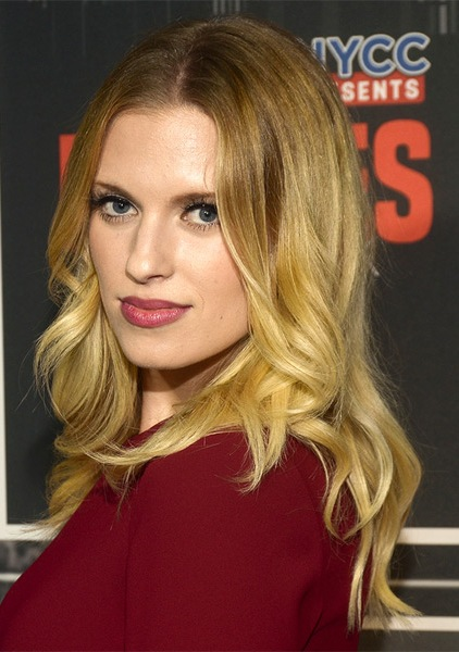 barbara-dunkelman-long-wavy-hairstyle