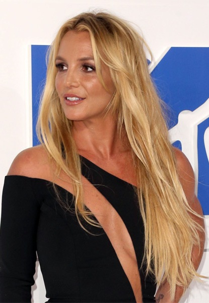 britney-spears-long-straight-hairstyle