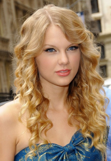 hairstyles-for-girls-with-curly-hair