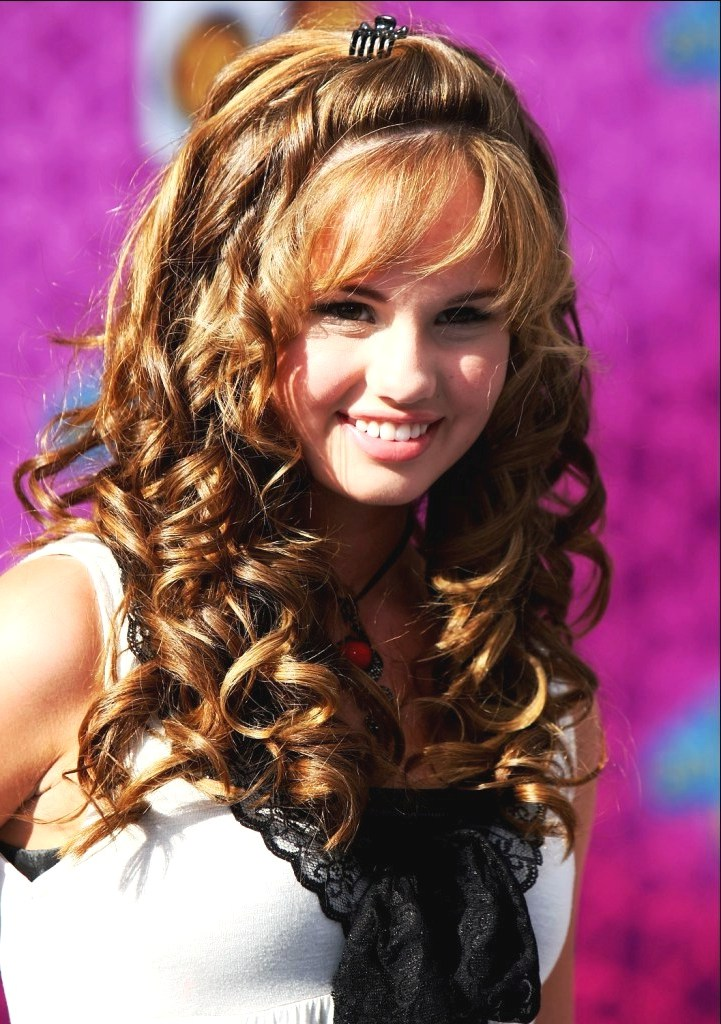 hairstyles-for-teenage-girls-with-curly-hair