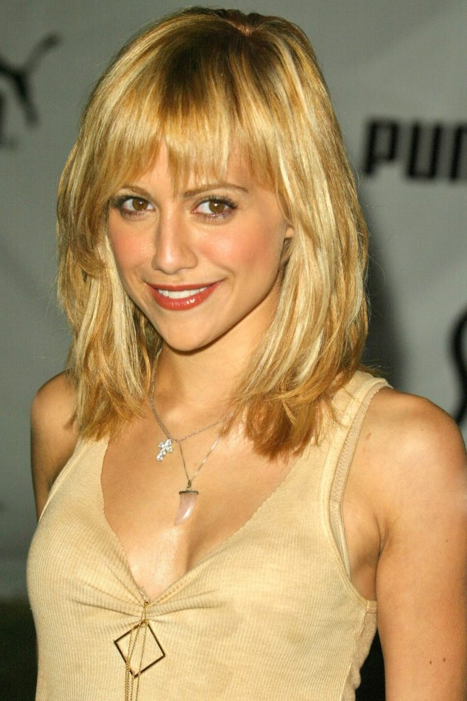 hairstyles-for-medium-length-hair-with-bangs