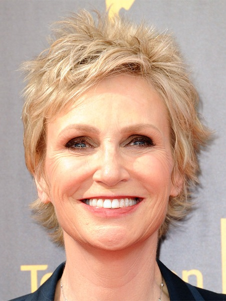 jane-lynch-short-straight-shag-hairstyle