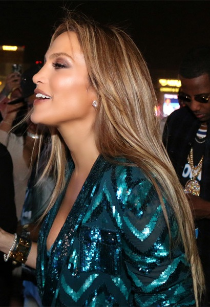 jennifer-lopez-long-straight-hairstyle