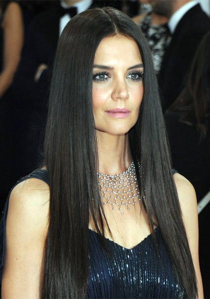 katie-holmes-long-straight-hairstyle