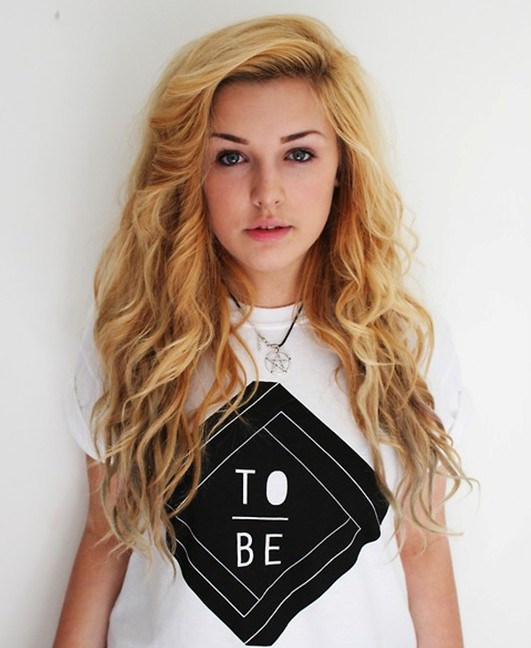 loose-curly-hairstyles-for-teenage-girls