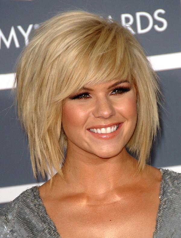 medium-short-hairstyles-women-bangs