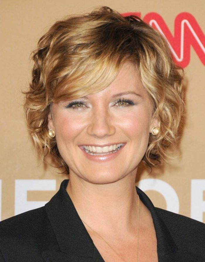 short-hairstyles-for-fine-wavy-hair