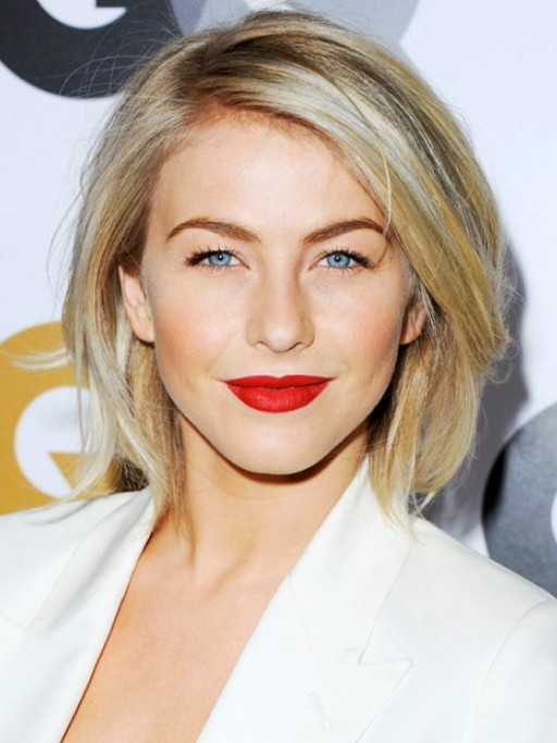 short-straight-hairstyle-from-julianne-hough