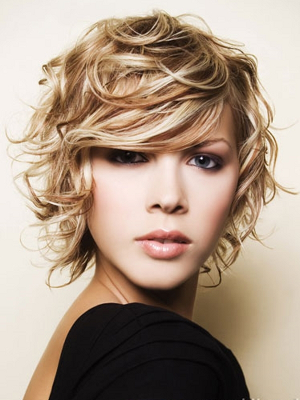 short-curly-haircuts-for-teens