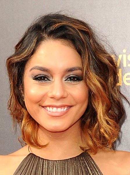 vanessa-hudgens-medium-wavy-bob-hairstyle