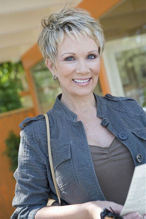 short-pixie-hairstyle-for-women-over-50