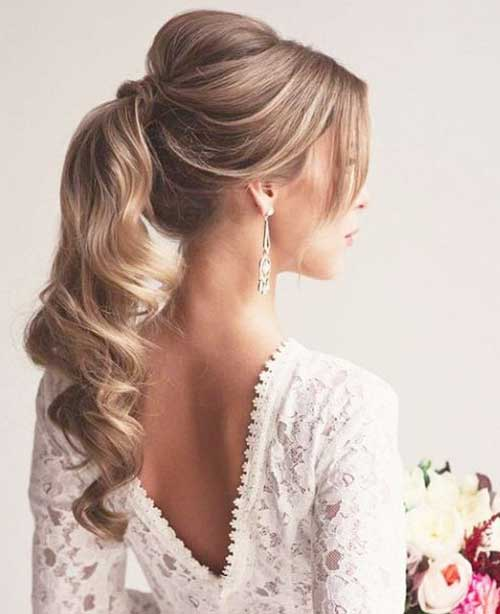 bridesmaid-ponytail-hairstyle