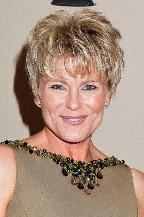 25 Gorgeous Short Hairstyles for Women over 50 - Haircuts ...