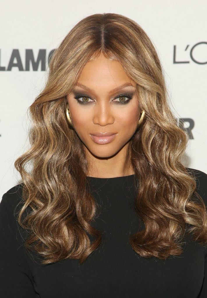 tyra-banks-wavy-hairstyles