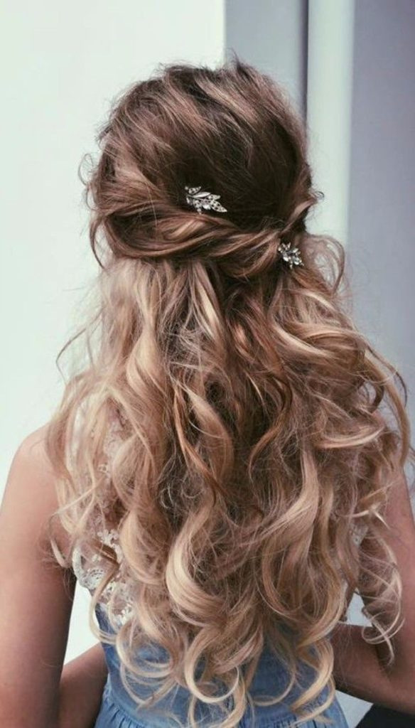 21 Most Glamorous Prom Hairstyles To Enhance Your Beauty Haircuts Hairstyles 2020