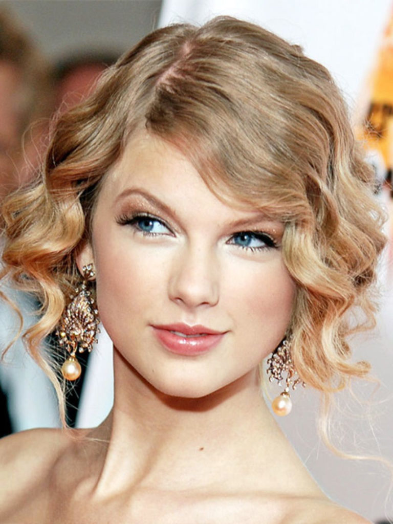 Elegant side hairstyles - Side Swept Curly Prom Hairstyle