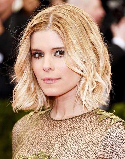 Blonde Medium Wavy Hairstyles