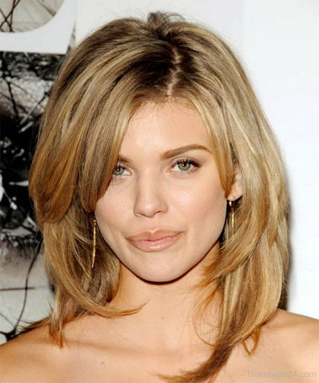 25 Most Superlative Medium Length Layered Hairstyles Haircuts Hairstyles 2021