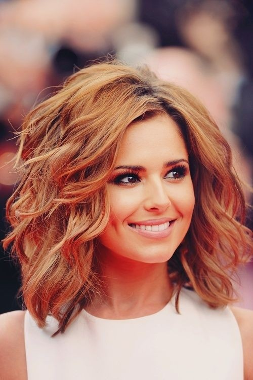 25 Hottest Looking Medium Wavy Hairstyles For Women Haircuts Hairstyles 2021