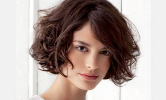 21 Stylish and Glamorous Curly Bob Hairstyle for Women