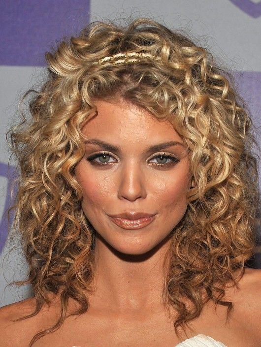 18 superlative medium curly hairstyles for women hottest