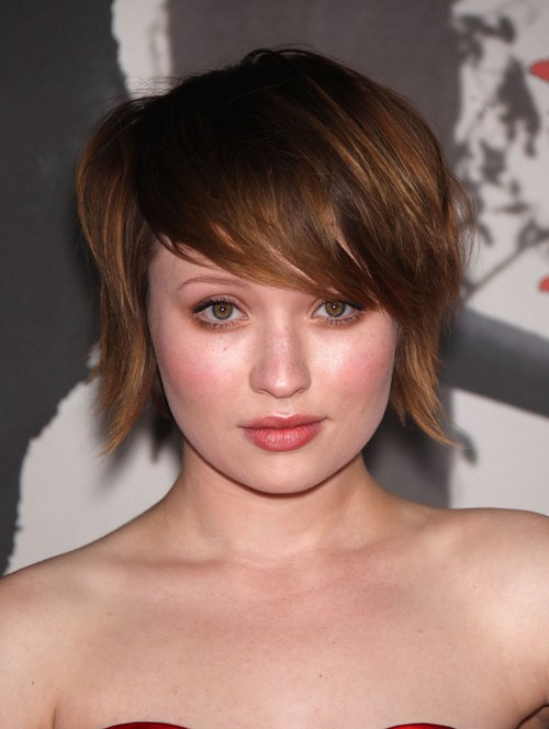 25 most coolest hairstyles for round faces hottest haircuts cropped bob with jagged edges urmus Gallery