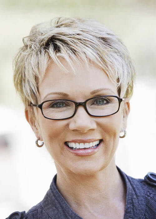 Short Blonde Hairstyles for Older Women