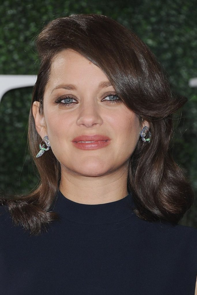 Deep Side Parted Brunette Hair with Subtle Curls