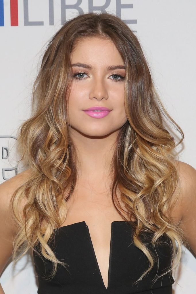 Center Parted Long Blonde Hair with Waves