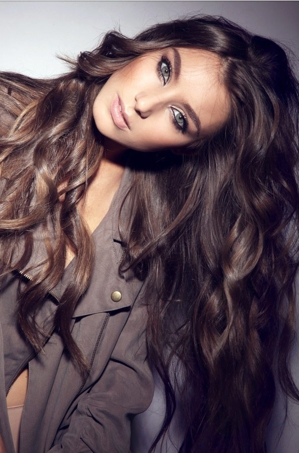 Voluminous Curls for Brunette Hair