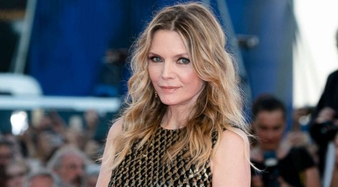 30 Wavy Hairstyles for Women Over 50 – Look Young And Beautiful