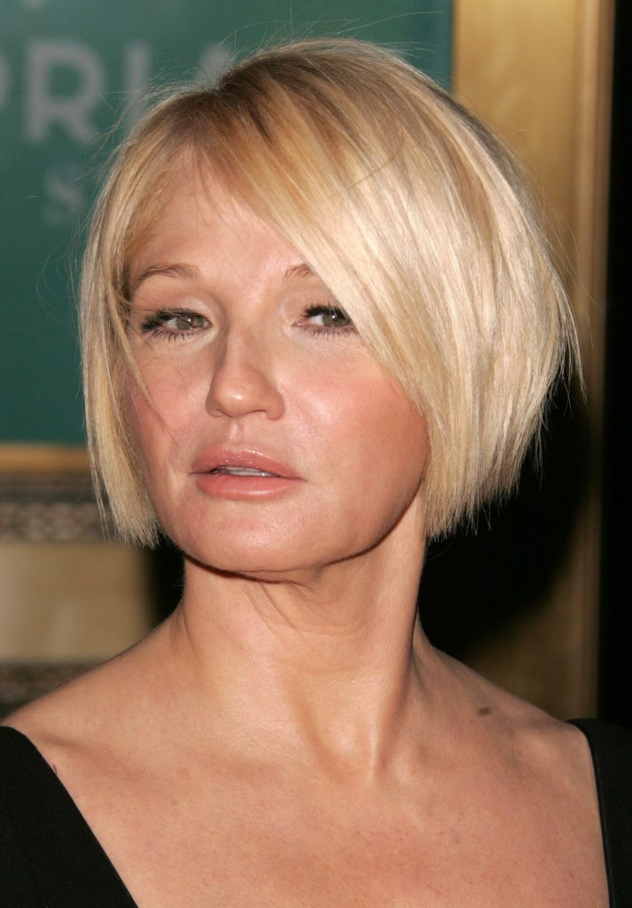 15 Hairstyles For Women Over 50 With Round Faces - Haircuts & Hairstyles 2021