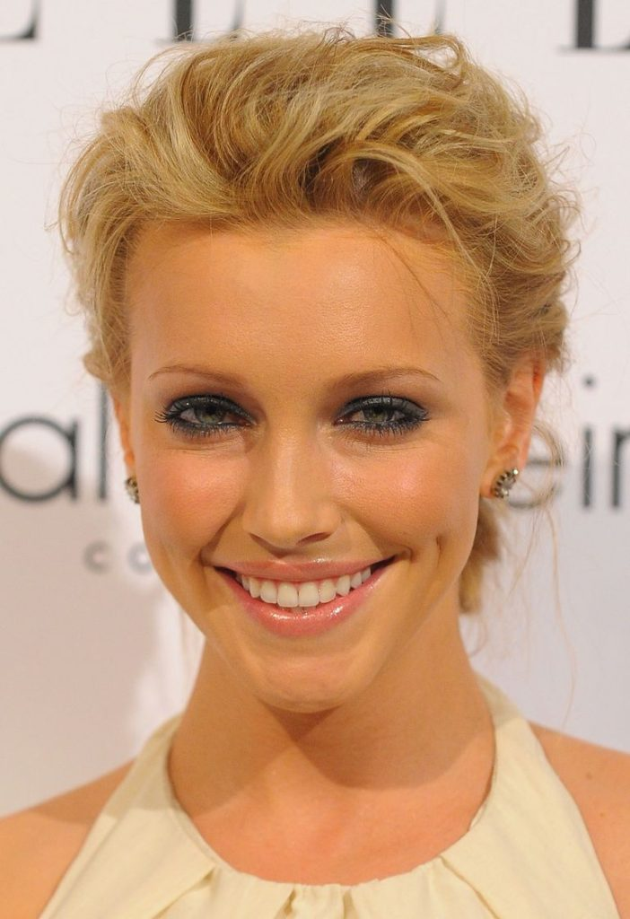 16 Short Hairstyles For Girls  Grab The Best One For You ...