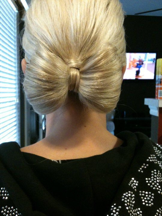 The Bow Bun for Prom