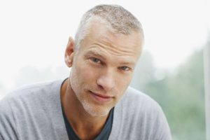 15 Hairstyles For Older Men To Look Younger