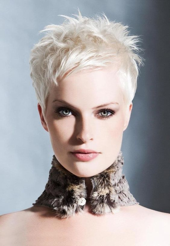 35 Most Beautiful Women S Hairstyle With Short Hair Haircuts Hairstyles 2021