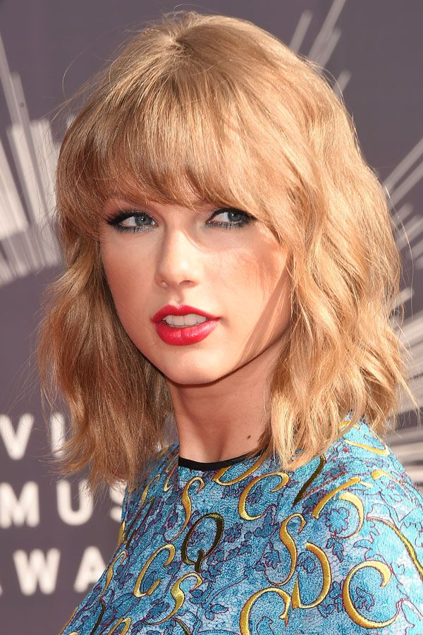 Taylor Swift Haircuts 30 Taylor Swifts Signature Hairstyles