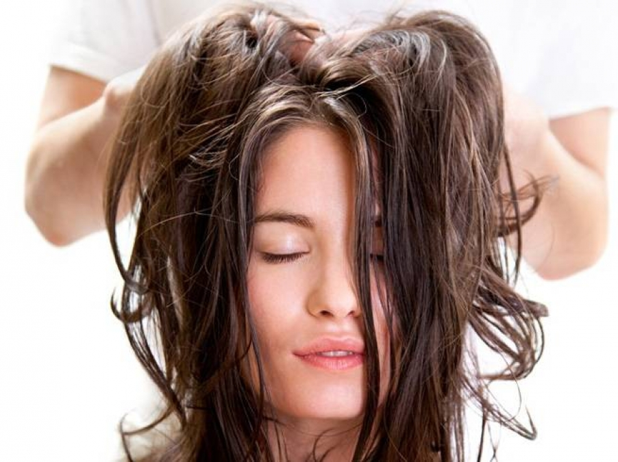 Hair Oil Massage