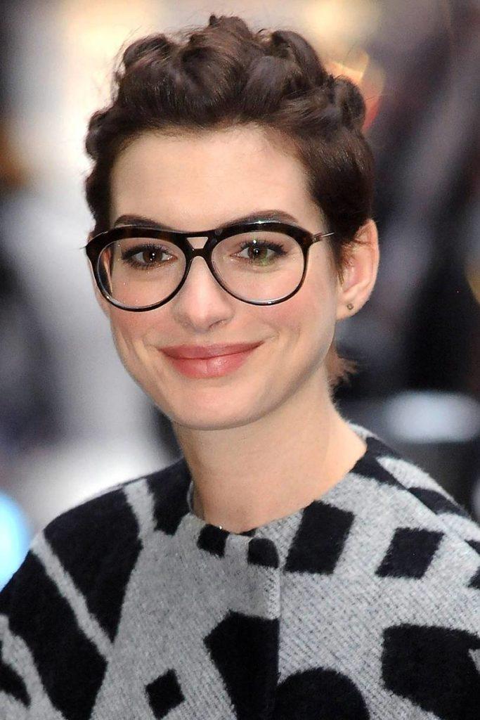 Anne Hathaway Haircut (19)