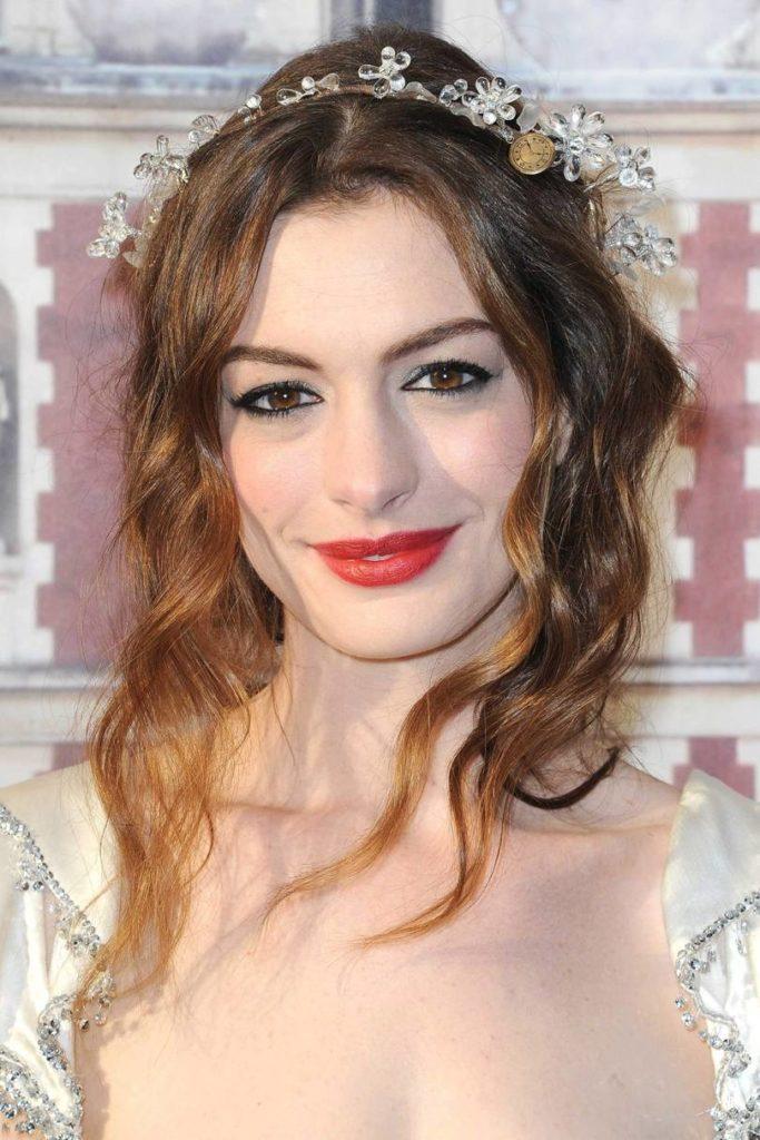 Anne Hathaway Haircut (23)