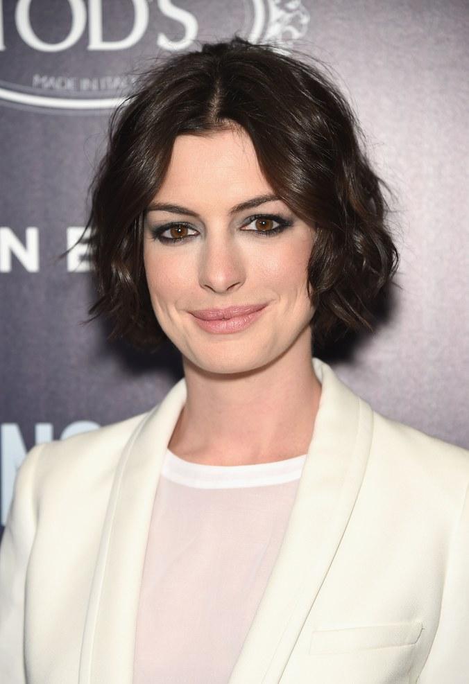 Anne Hathaway Haircut (28)