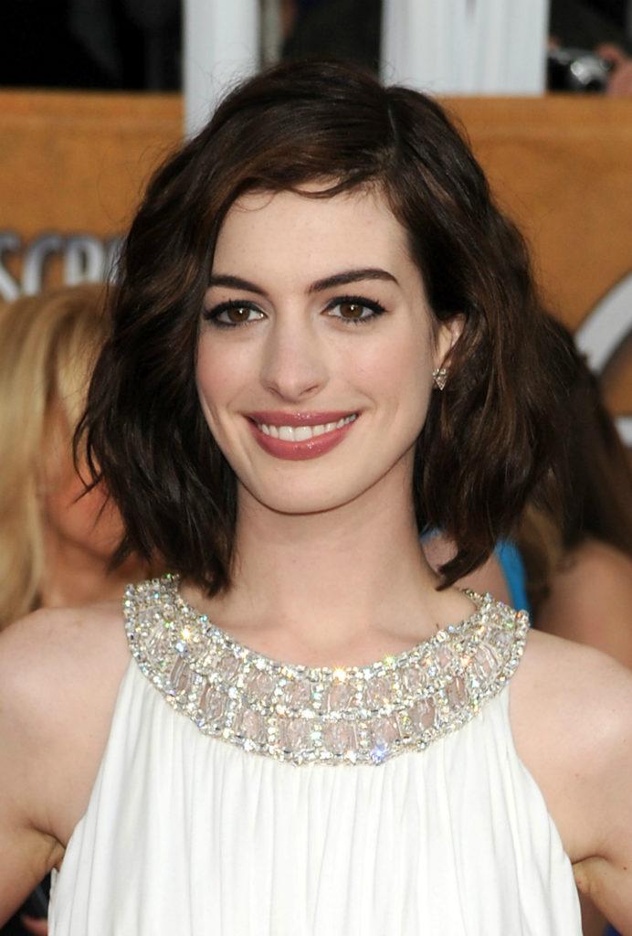 Anne Hathaway Haircut (3)