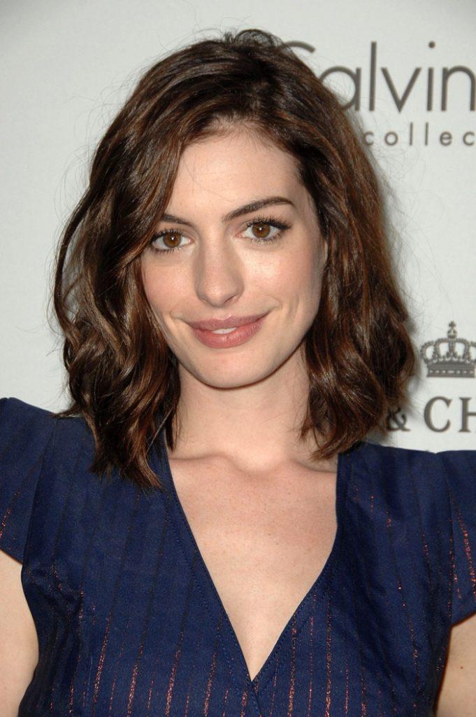 Anne Hathaway Haircut (7)