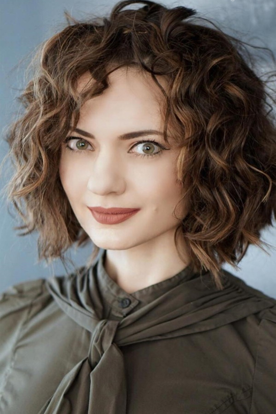 35 Mesmerizing Curly Hairstyles for women - Haircuts & Hairstyles 2018