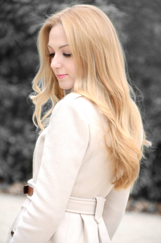 4. Simple Blonde Hairstyle
