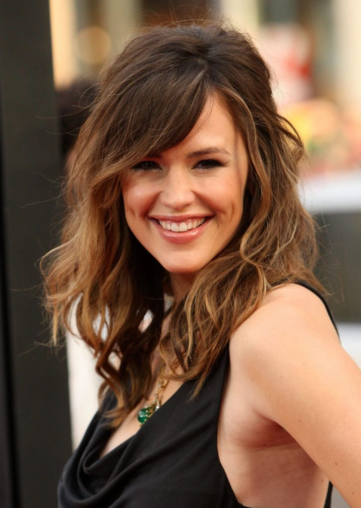 5. Simple Brunette Hairstyle