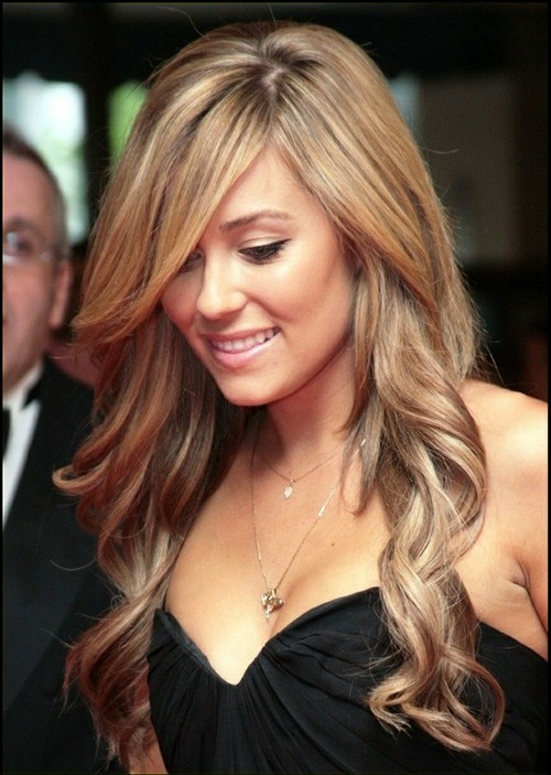 7. Long Hairstyle with Curls