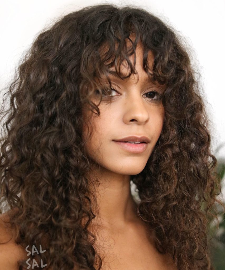 22 Urban Cool Curly Hairstyles With Bangs Haircuts Hairstyles 2021